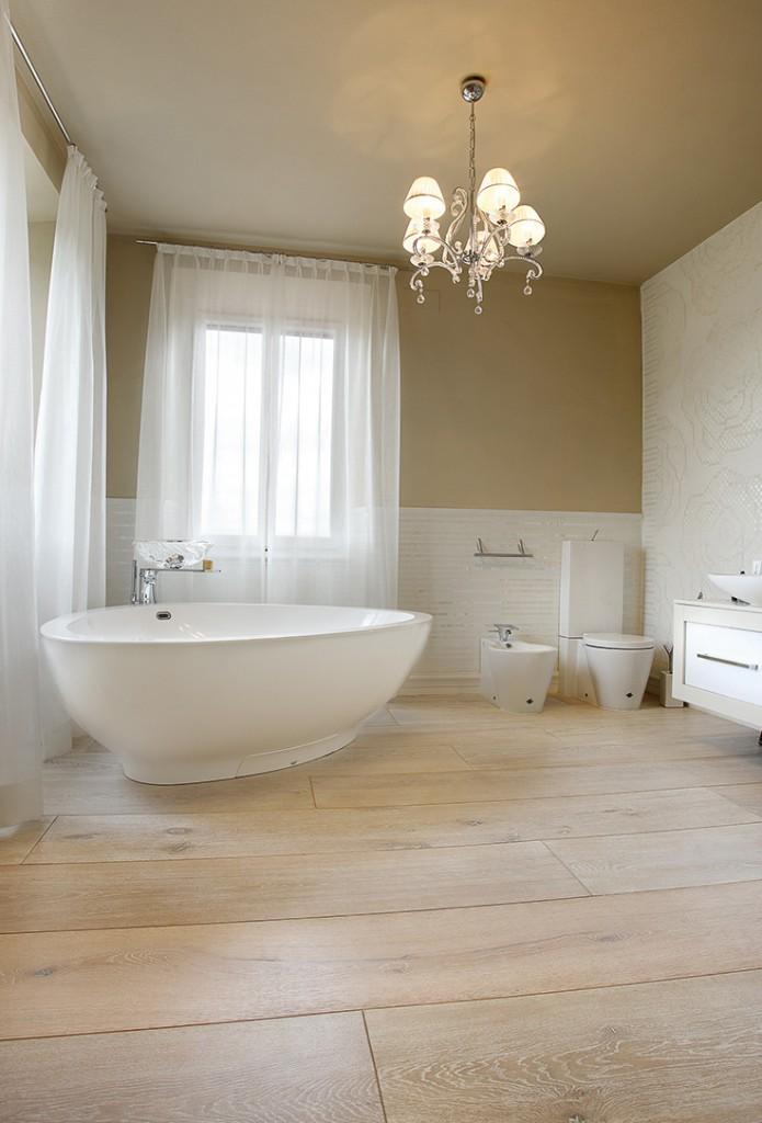 photographie parquet dans salle de bain